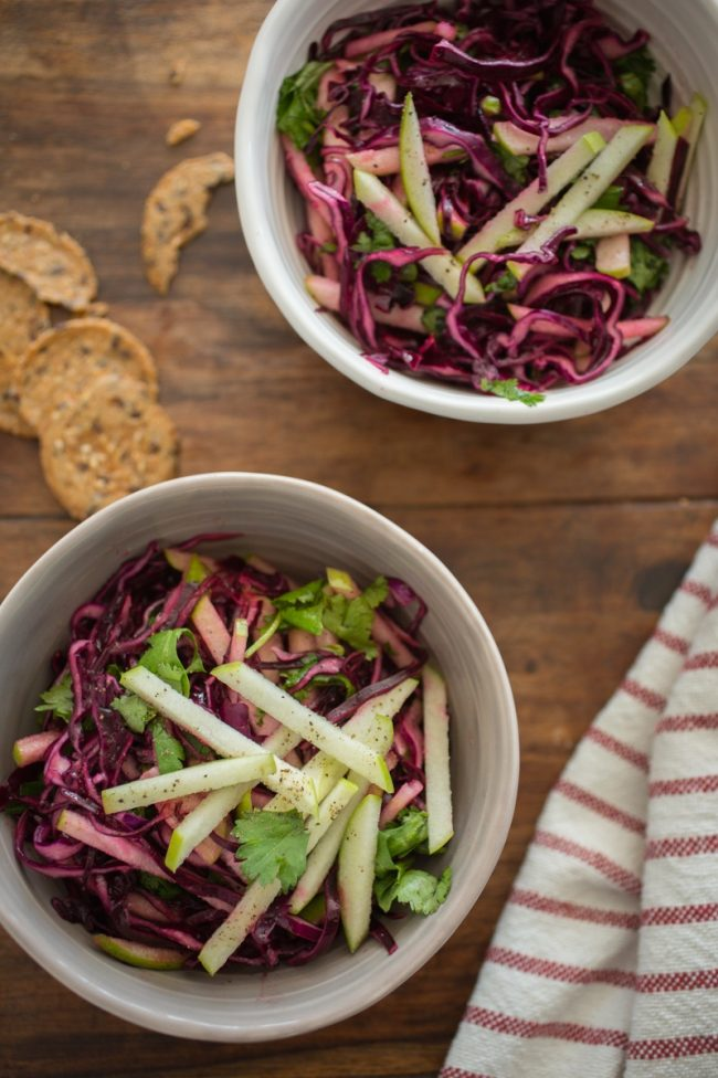 Salade de choux rouge, pommes et coriandre